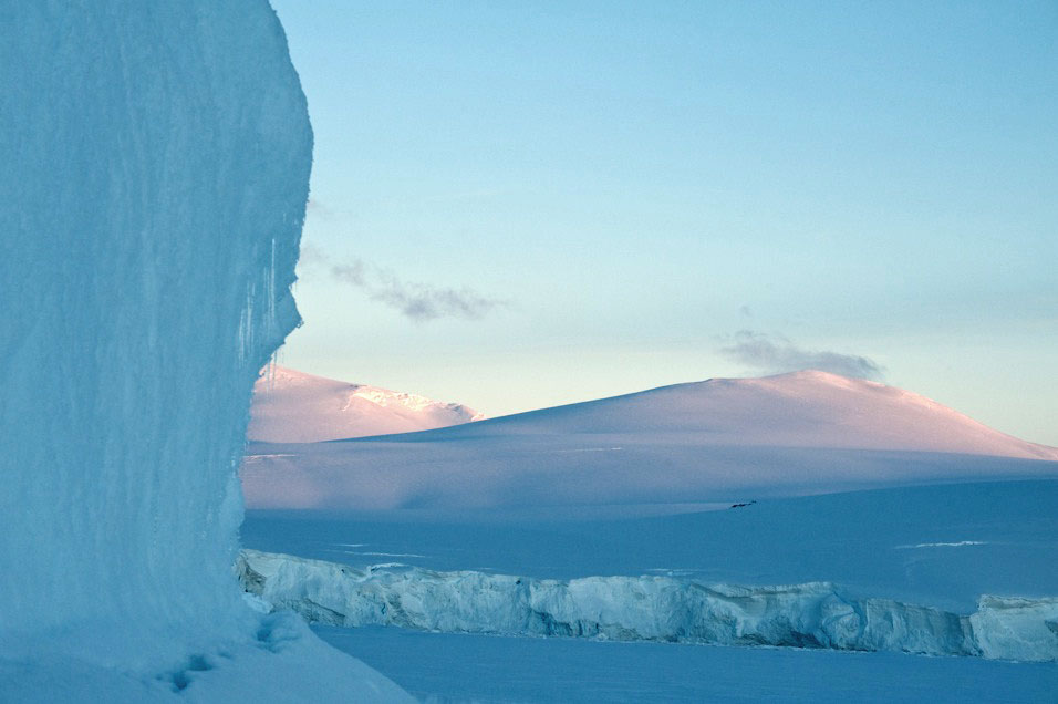 Ice World - Its 12:25am and yes we are still in the beautiful pinks and blues of sunset.