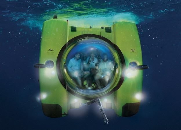 Triton Submarine Descends
