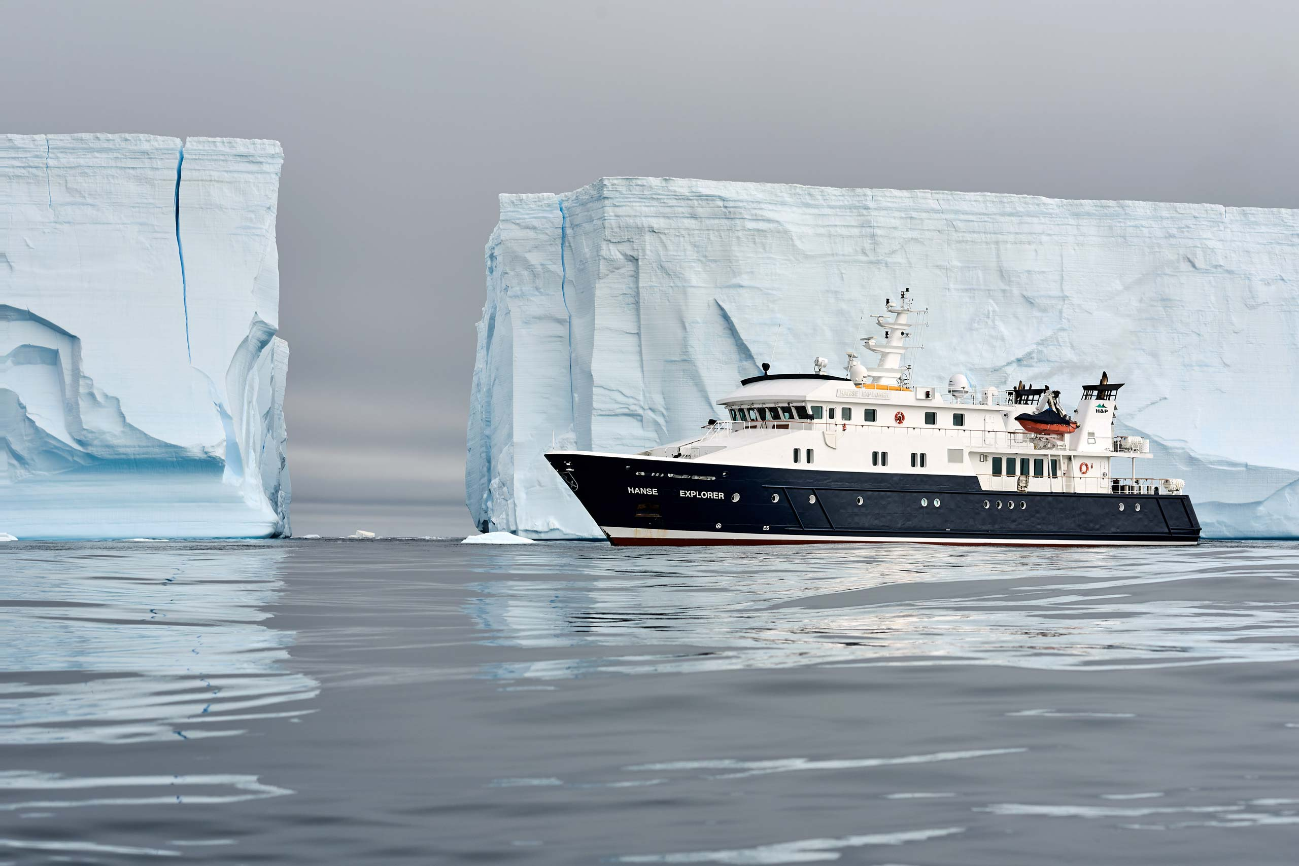 Hanse Explorer on Expedition in Antarctica