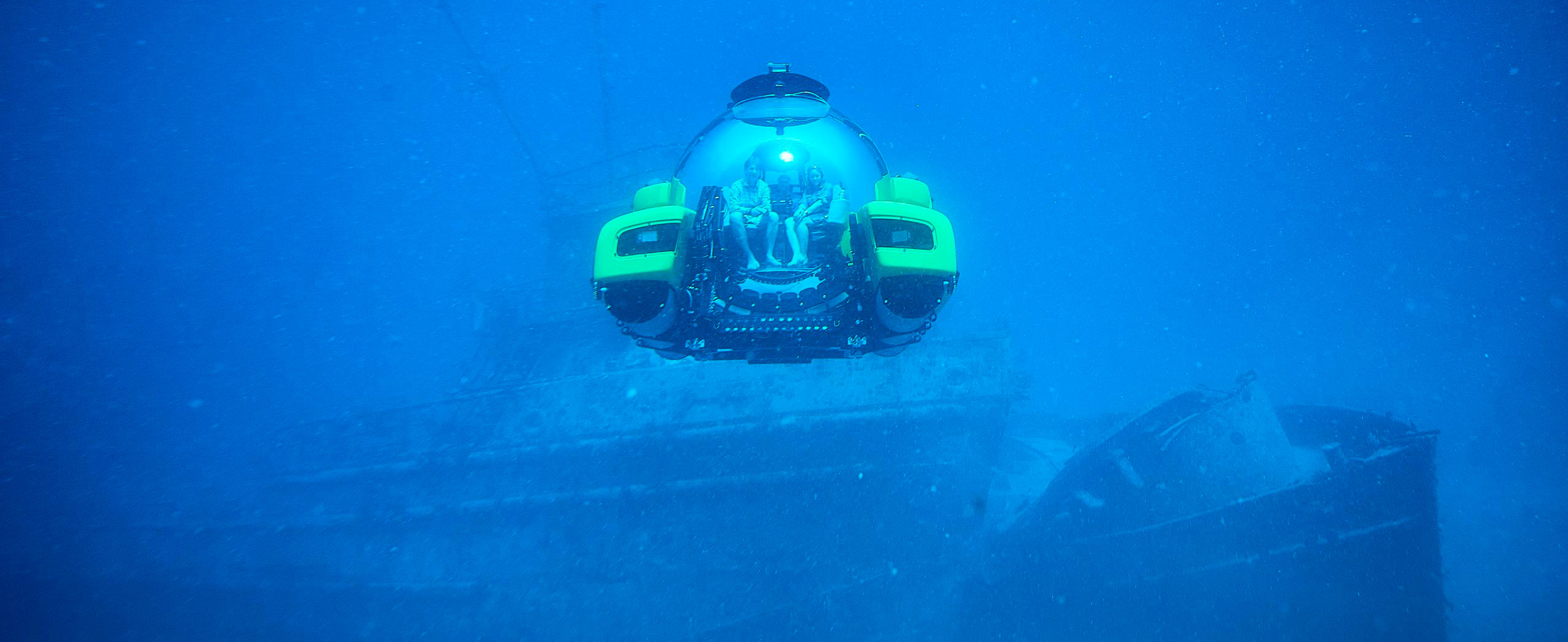 Triton Submarines diving near shipwreck
