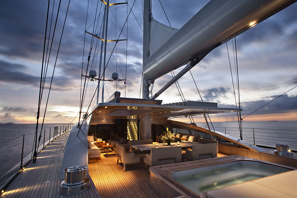 Luxury Yacht Vertigo - Deck