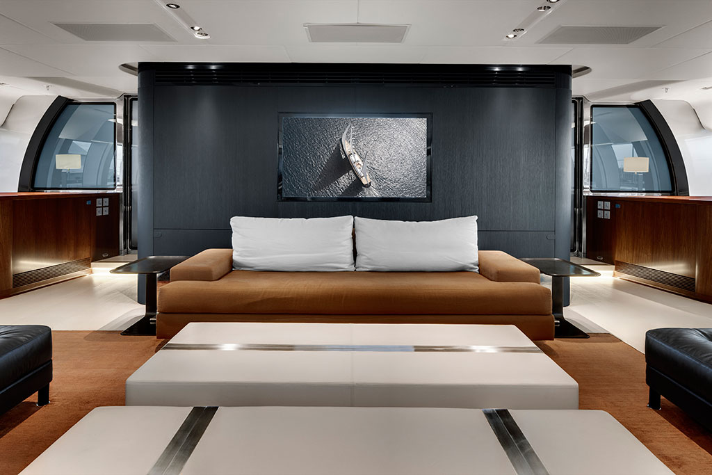 Vertigo Luxury Yacht - Main Salon