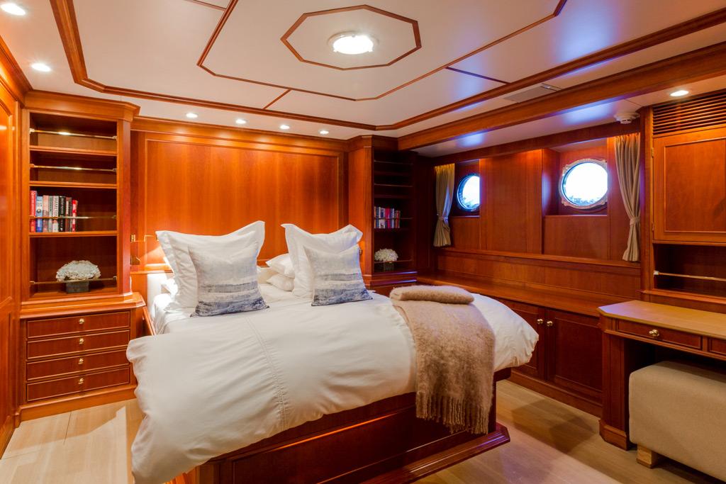 Pioneer yacht bedroom