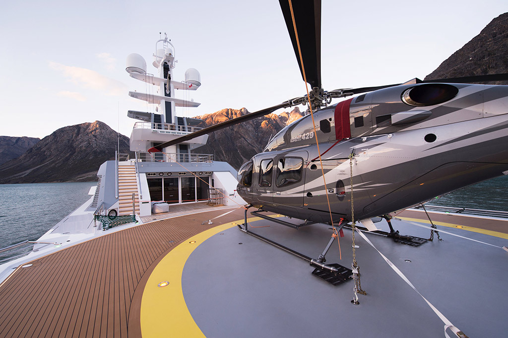 Cloudbreak yacht helicopter deck