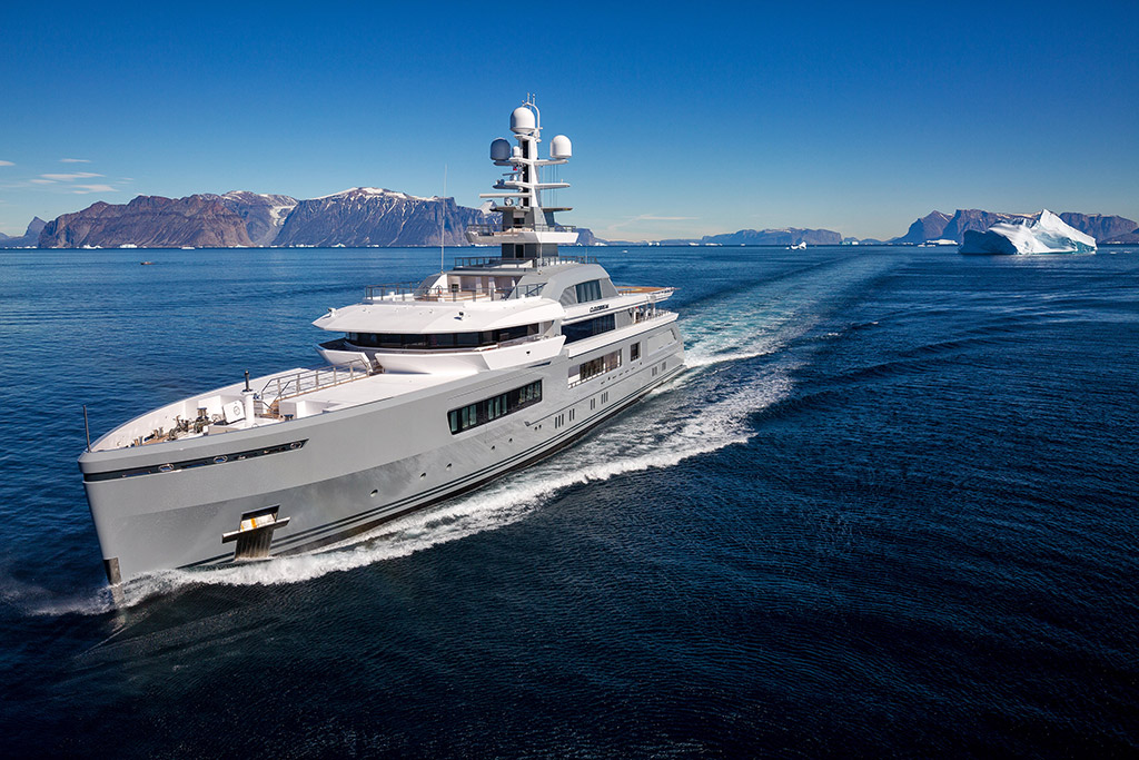 Cloudbreak expedition yacht